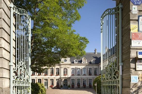 """26 octobre – L'identité et la stratégie digitale d'un complexe hôtelier haut de gamme; """"Le Domaine de la Chartreuse"""""""