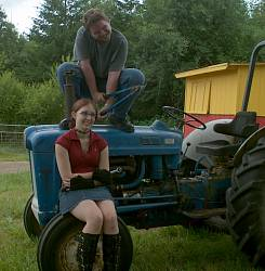 Ford 640 tractor with roll bar and padded seat
