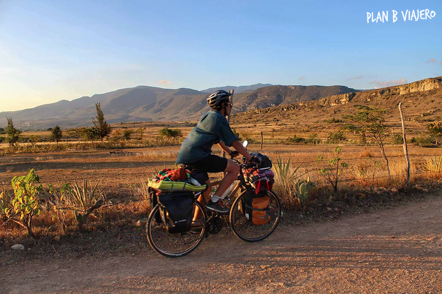 plan b viajero, viajar en bici, viajar en bici de bambu