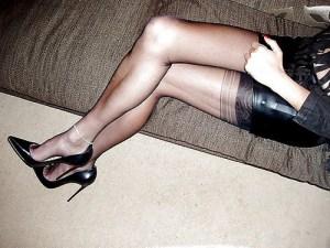 femme cougar veut éduquer un jeune puceau