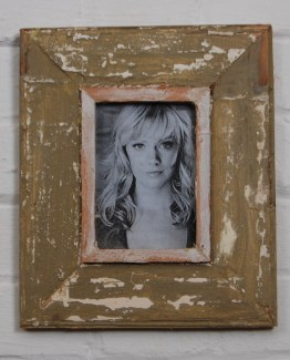 a6_283_rustic_distressed_frame