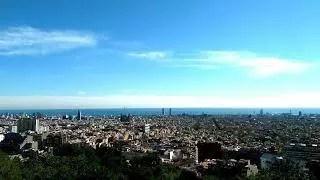 Pohled na Barcelonu z parku Güel