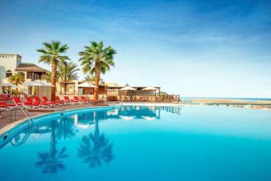 SAE zájezd krásný bazén s výhledem