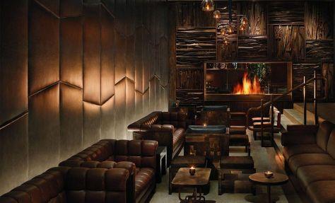 Bar del hotel Royalton de Nueva York diseñado por Philippe Starck.
