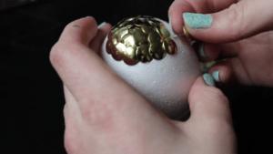 Manualidad estilo juego de tronos huevos de dragón