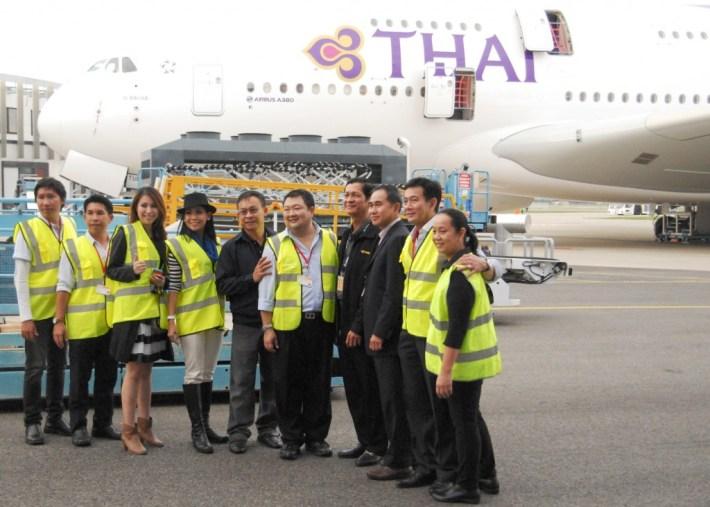 The Thai Airways team meet their latest A380 HS-TUE Si Racha