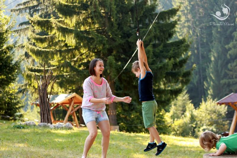 Evadare la munte împreună cu copiii în sezonul cald