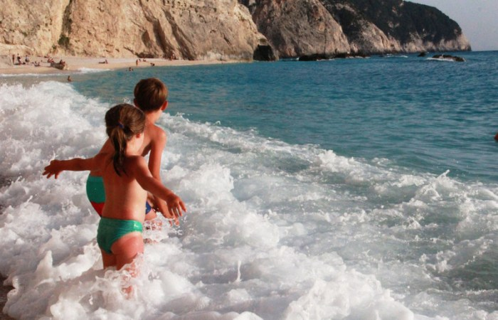 in Lefkada cu copiii