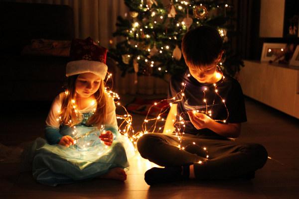 """Momentul adevărului: """"Mami, deci Moș Crăciun chiar nu există?"""""""