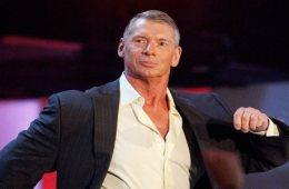 Vince McMahon sigue mirando fuera de WWE