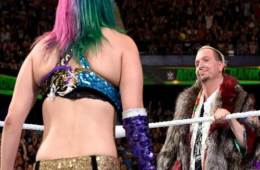 James Ellsworth se burló de Asuka en un show Independiente