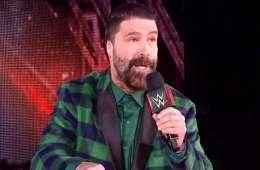 Mick Foley espera estar involucrado en el Hell in a Cell match