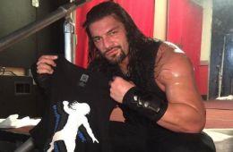 Roman Reigns presente en el Backstage de WWE RAW