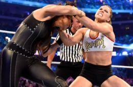 WWE noticias Ronda Rousey trabaja en un Live Show de WWE RAW durante su sanción de 30 días