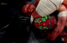 Samoa Joe deja KO a Jeff Hardy
