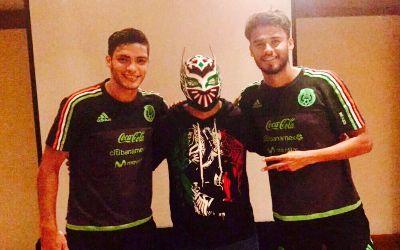 Sin Cara con la selección mexicana de fútbol