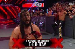 Team B nuevos campeones por pareja de WWE RAW en Extreme Rules