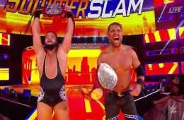 The B-Team (Curtis Axel y Bo Dallas) retienen los RAW Tag Team Championships
