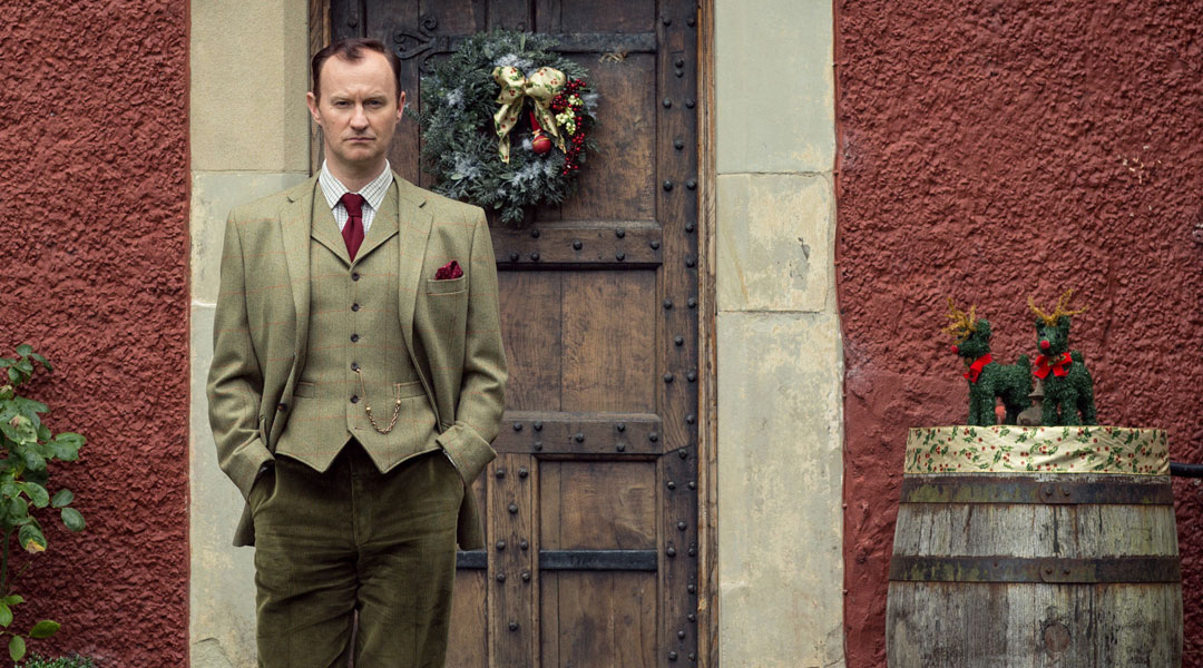mycroft and sherlock age difference dating