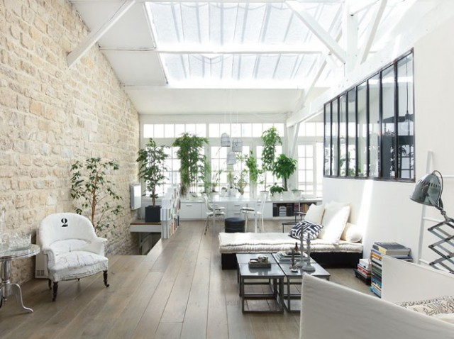 Un loft aux pierres apparentes planete deco a homes world for Maison arredamento