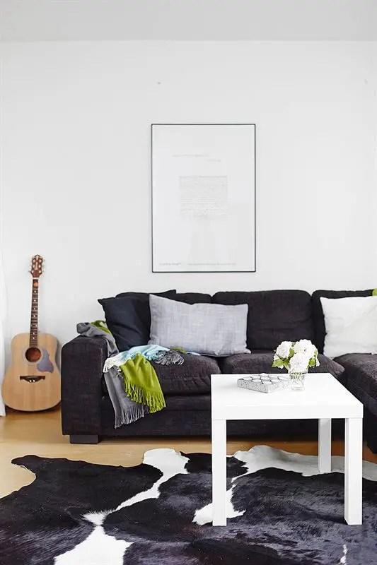 Les petites surfaces du jour : un lit sur estrade dans un studio ...