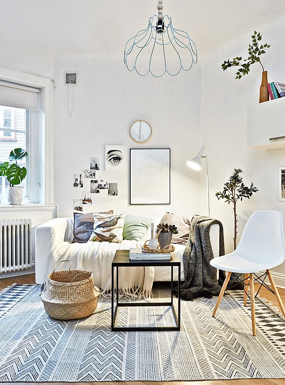 What lamp do I choose for my living room according to my decorative style?