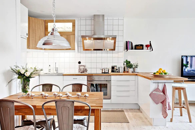 Les petites surfaces du jour : priorité à la cuisine - PLANETE DECO ...