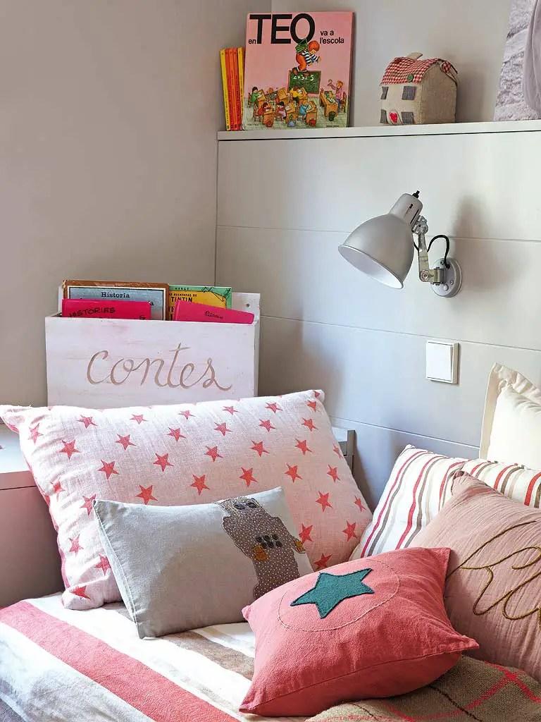 ce2. Black Bedroom Furniture Sets. Home Design Ideas
