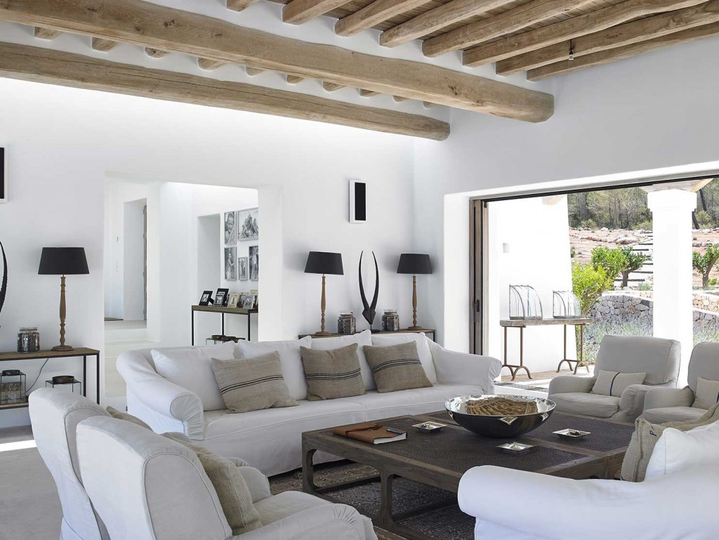 Une maison blanche ibiza planete deco a homes world for Maison deco blanche