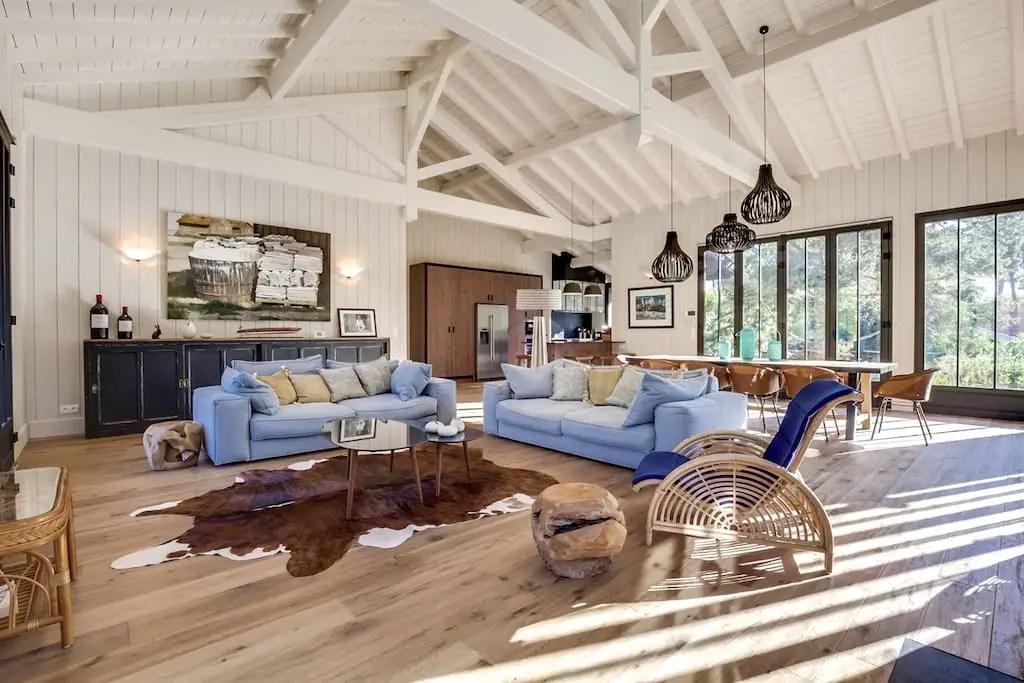 une maison familiale dans le bassin d 39 arcachon planete deco a homes world. Black Bedroom Furniture Sets. Home Design Ideas