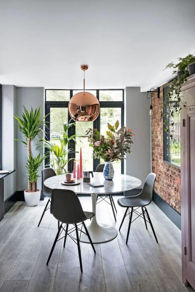 Une maison classique anglaise à la décoration maximaliste