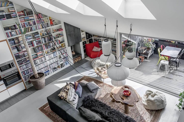 Un appartement en duplex pour des amoureux des livres