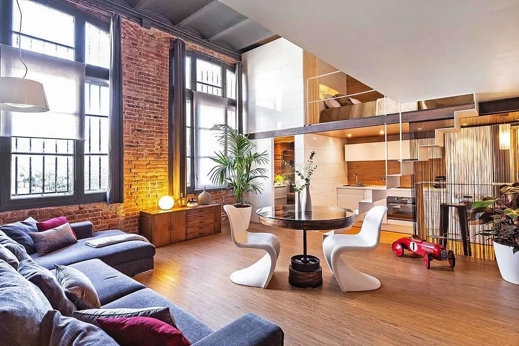 Un loft espagnol avec une chambre en mezzanine - PLANETE ...