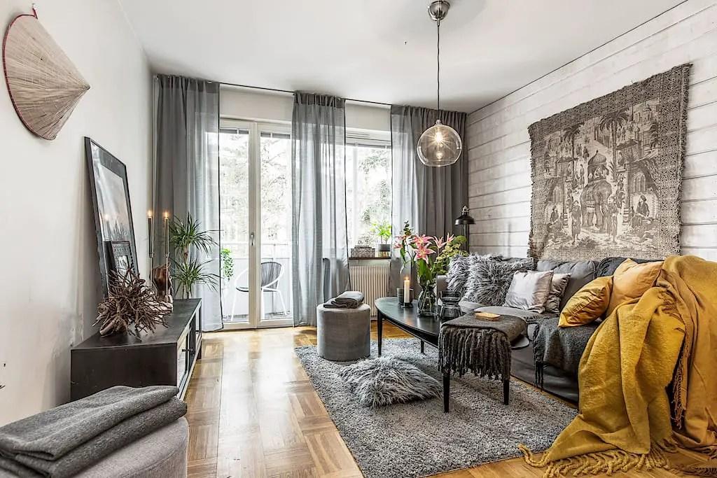 Un appartement suédois à la décoration maximaliste