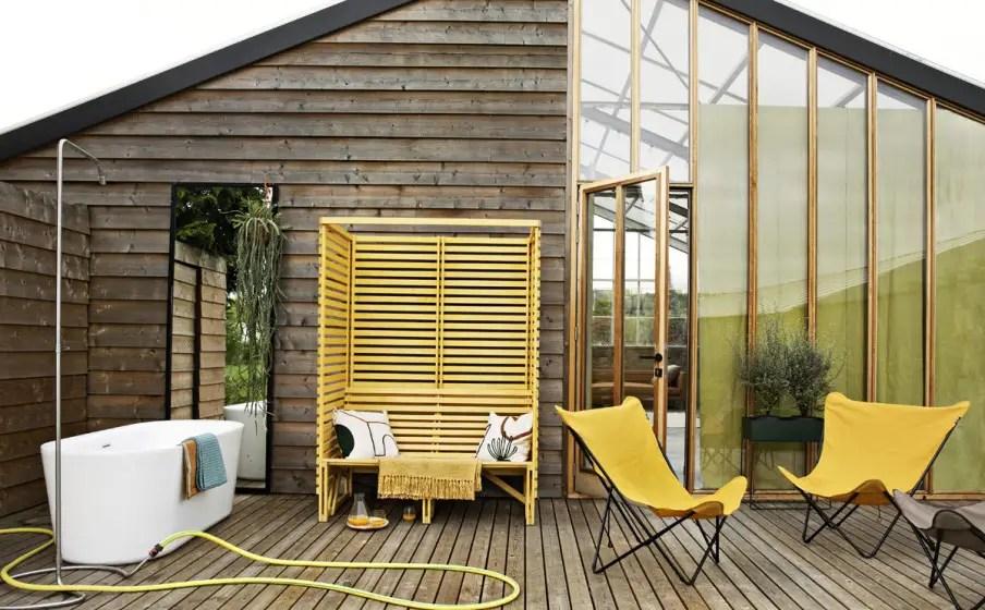 De la terrasse au salon du jaune pour réveiller la décoration