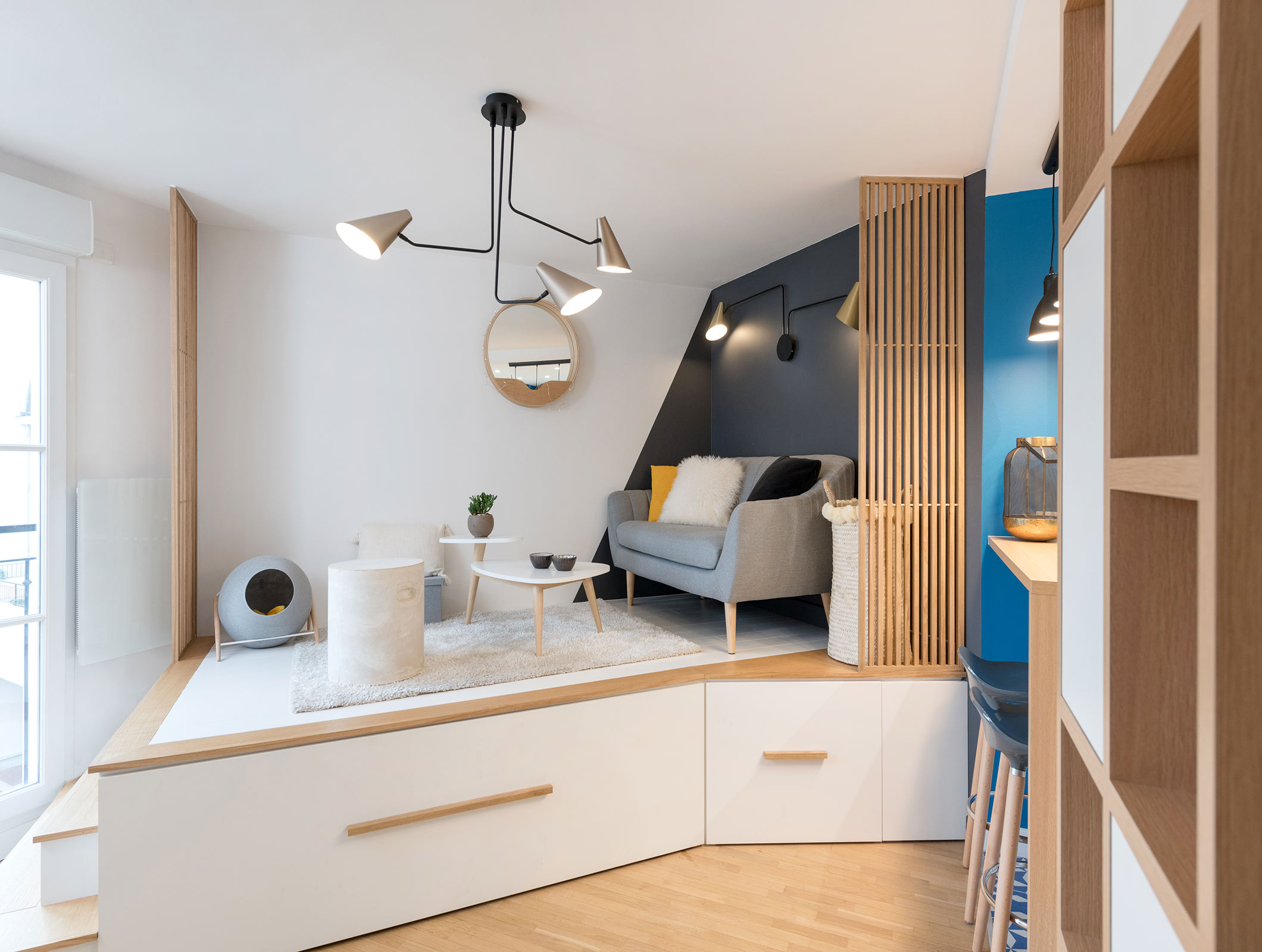 ce studio de 20m2 pres de paris cache un lit astucieux planete deco a homes world