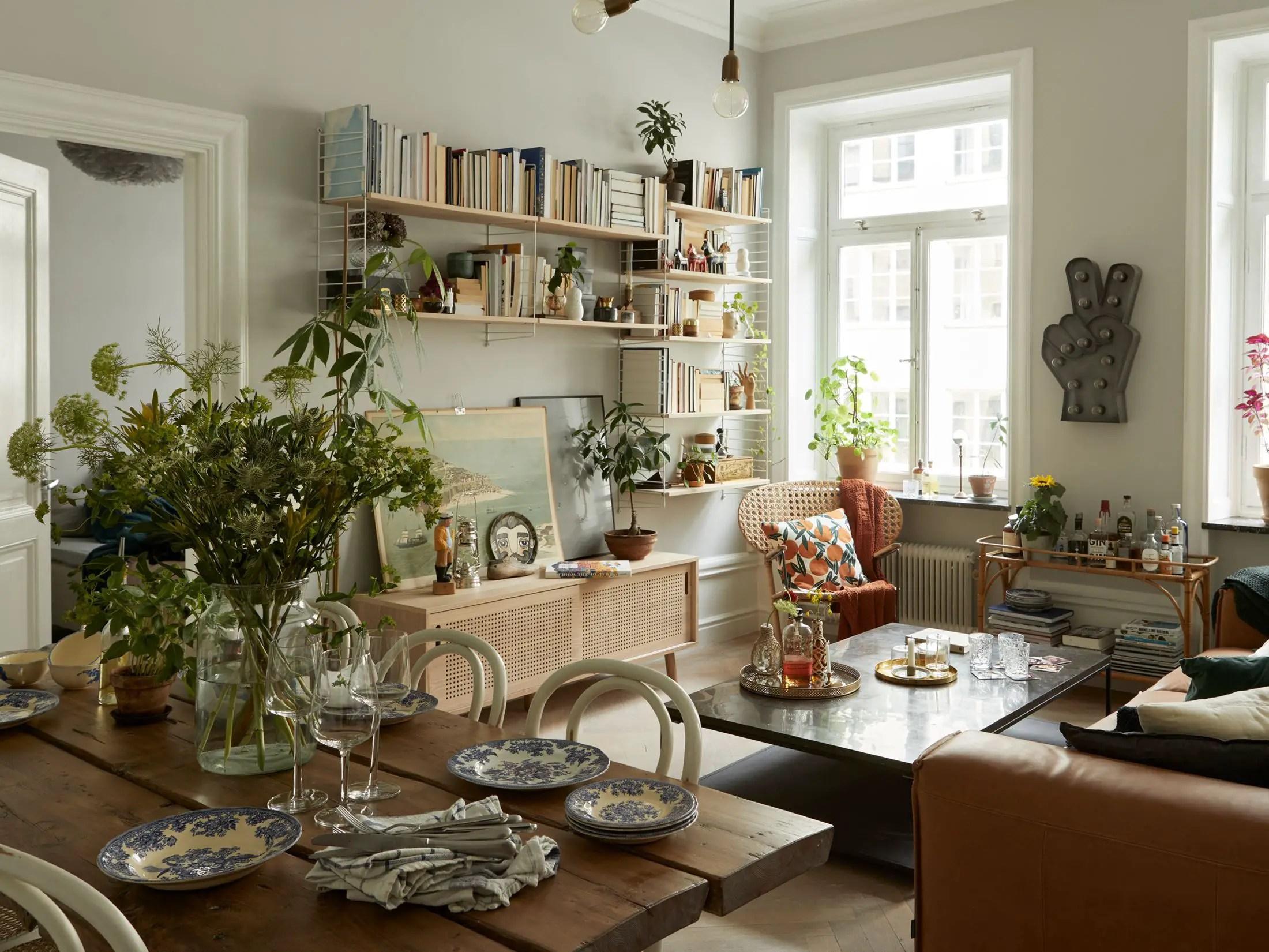 Mobilier et décoration vintage dans un appartement ancien ...