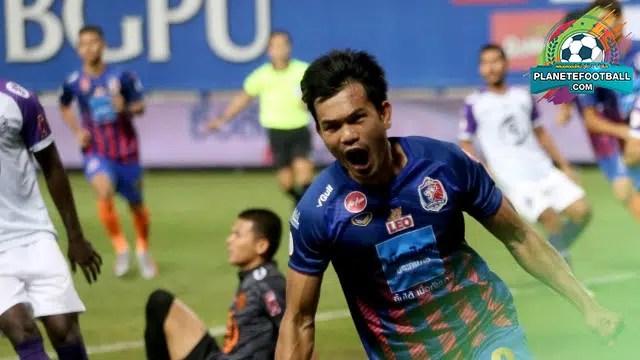 ข่าวบอลไทย อดิศักดิ์ ไกรษร กองหน้าทีมชาติไทย ที่มีฟอร์มการเล่นที่ร้อนแรง ที่สุดในปี 63