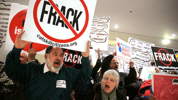 Anti-fracking protesters in Texas. January 24, 2014. (Image: Creative Commons)