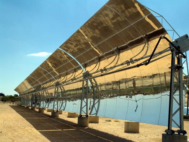 Solar troughs in the Negev desert, Israel. (Photo Credit: David Shankbone)