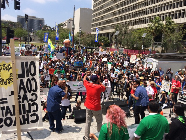 The Break Free LA crowd from the steps of city hall. (Photo Credit: Belinda Waymouth)