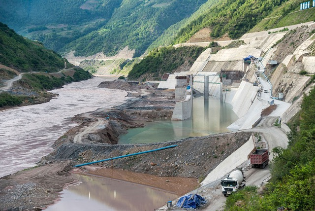 A new dam in progress on the upper Mekong in China. I do not have the name of this dam because it is still under construction, but it certainly looks big.