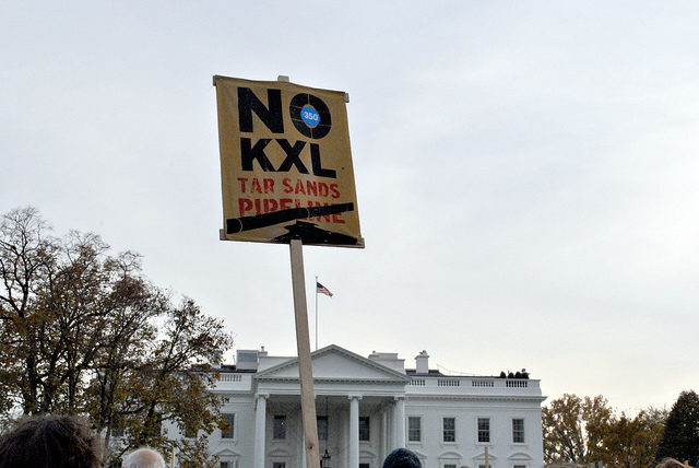 Demonstrators protest the Keystone XL Pipeline in front of the White House in 2012. (Photo: chesapeakeclimate / Flickr)
