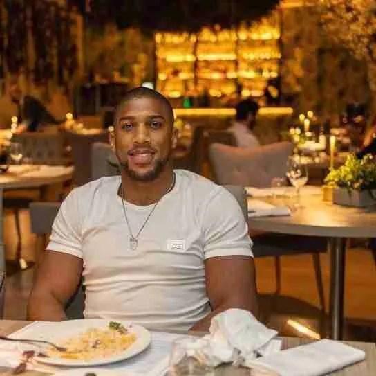 Antony Joshua at dinner in Marbella