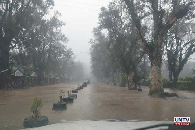 Burnham Park flooded; power lines cut in Baguio City
