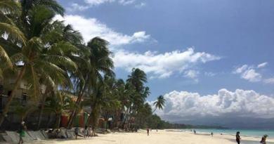 Aklan court stops demolition of 10 buildings on Boracay