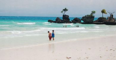 Boracay to accept tourists from GCQ areas next month, but negative PCR test result needed