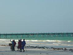 Ragazzi Masai sulla spiaggia di Kiwengwa
