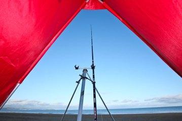 fishing-review-ian-golds-igloo-beach-shelter-0013