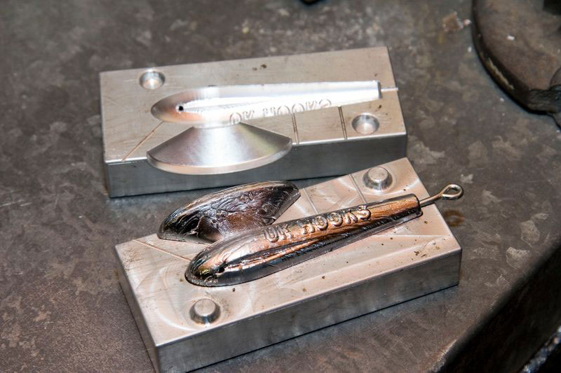 2 x  Angling Supplies  Lead Mould Clamp For Weight Making Moulds etc